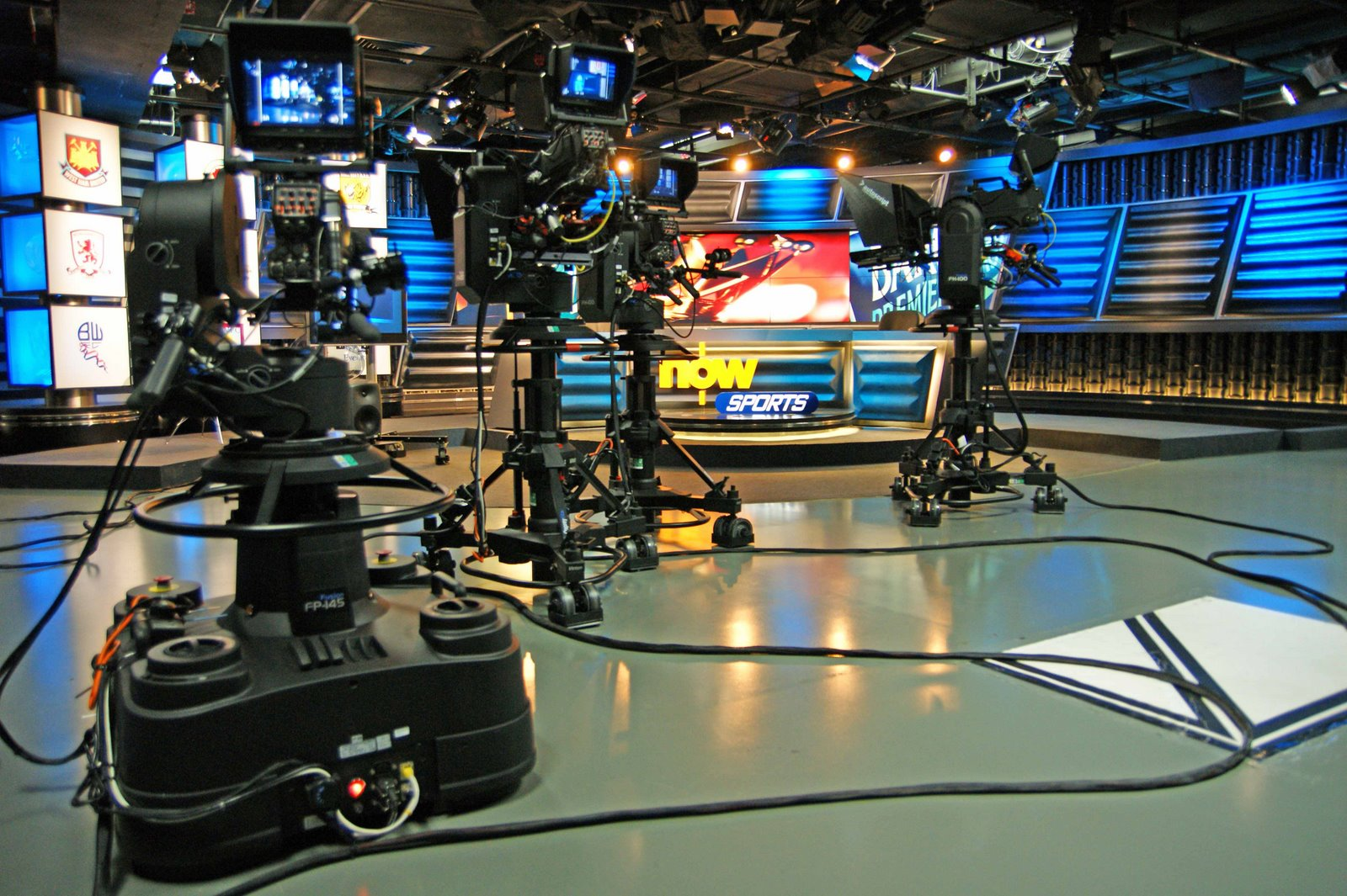 television broadcasting 3663 radio and television broadcasting and communications equipment establishments primarily engaged in manufacturing radio and television broadcasting and communications equipment.