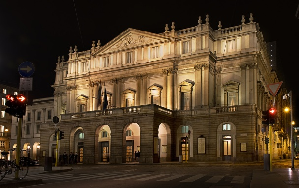 la_scala_opera_house__milan_night